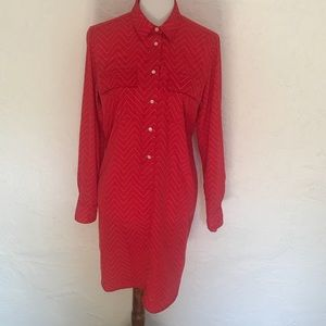 Gap shirt dress. Size small. Poly. Button front.